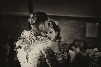 Bruidspaar dansen